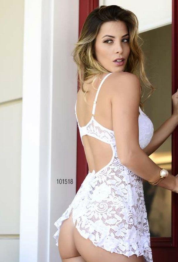 Camisola sensual em renda branca