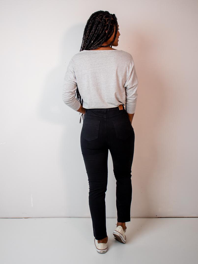 calça skinny preta  - MUDI