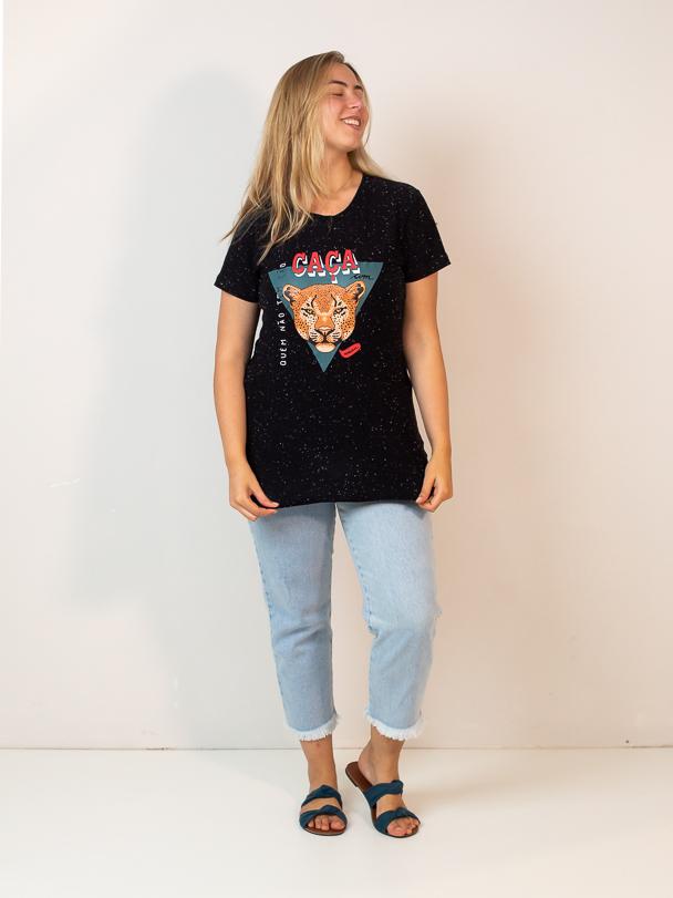 t-shirt quem não tem cão caça com gato