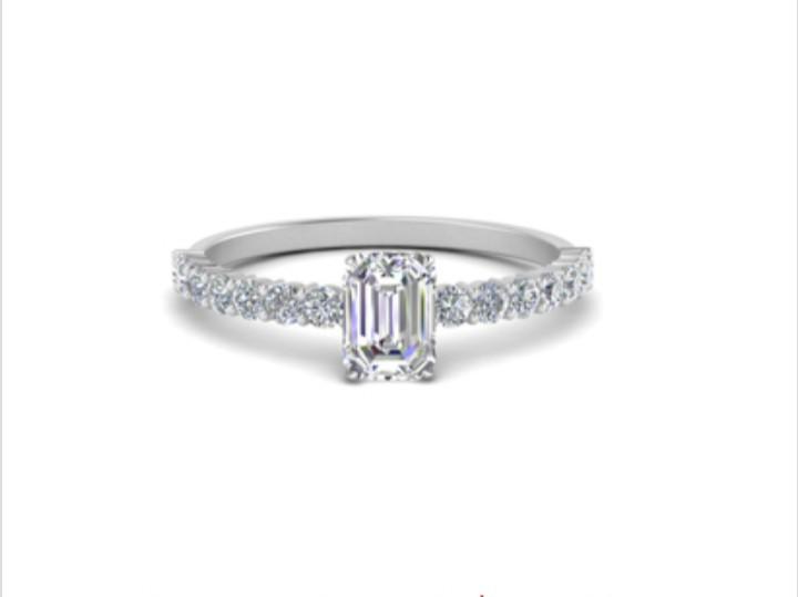 Anel de noivado em ouro 18k  com 110 pontos de diamantes - CÓDIGO 051A