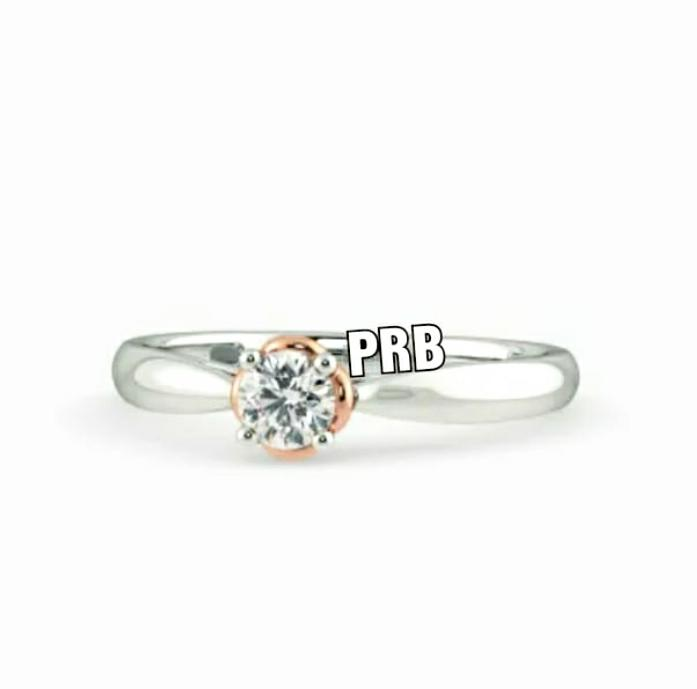 Anel de noivado em ouro 18k  com 1 diamante de 30 pontos - CÓDIGO 036