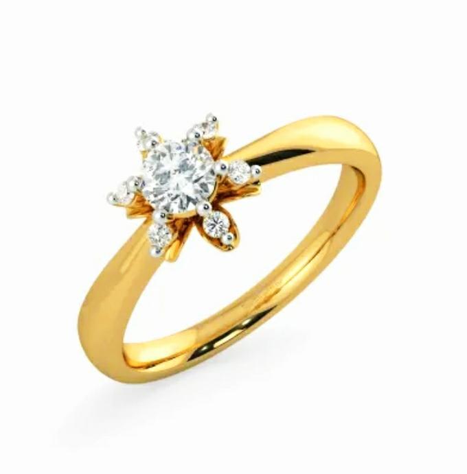 Anel de noivado em ouro 18k  com 31 pontos de diamantes - CÓDIGO 032