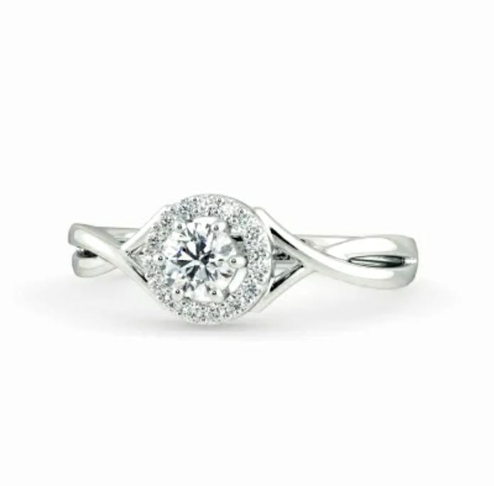 Anel de noivado em ouro 18k  com 46 pontos de diamantes - CÓDIGO 039