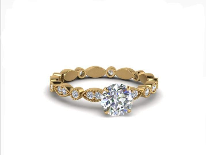 Anel de noivado em ouro 18k  com 56 pontos de diamantes - CÓDIGO 030
