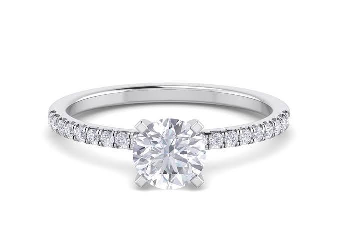 Anel de noivado em ouro 18k  com 86 pontos de diamantes - CÓDIGO 020A