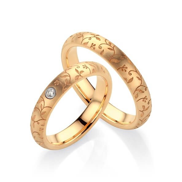 Par de alianças  em ouro 18k e diamantes - CÓDIGO - ALI43