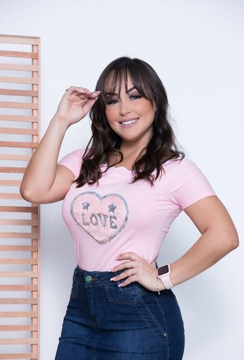 T-shirt pelúcia coração rosa
