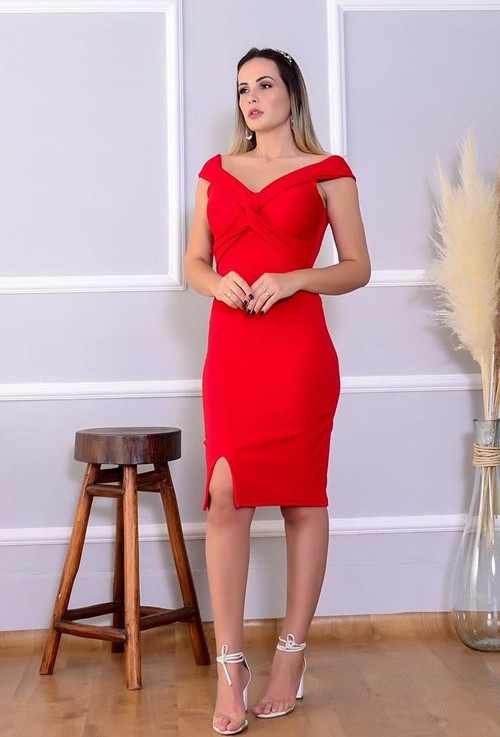 Vestido tubinho midi vermelho com bojo