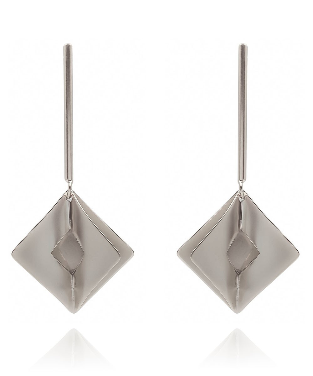 Brinco Metal Palito Geometrico Prateado Fosco