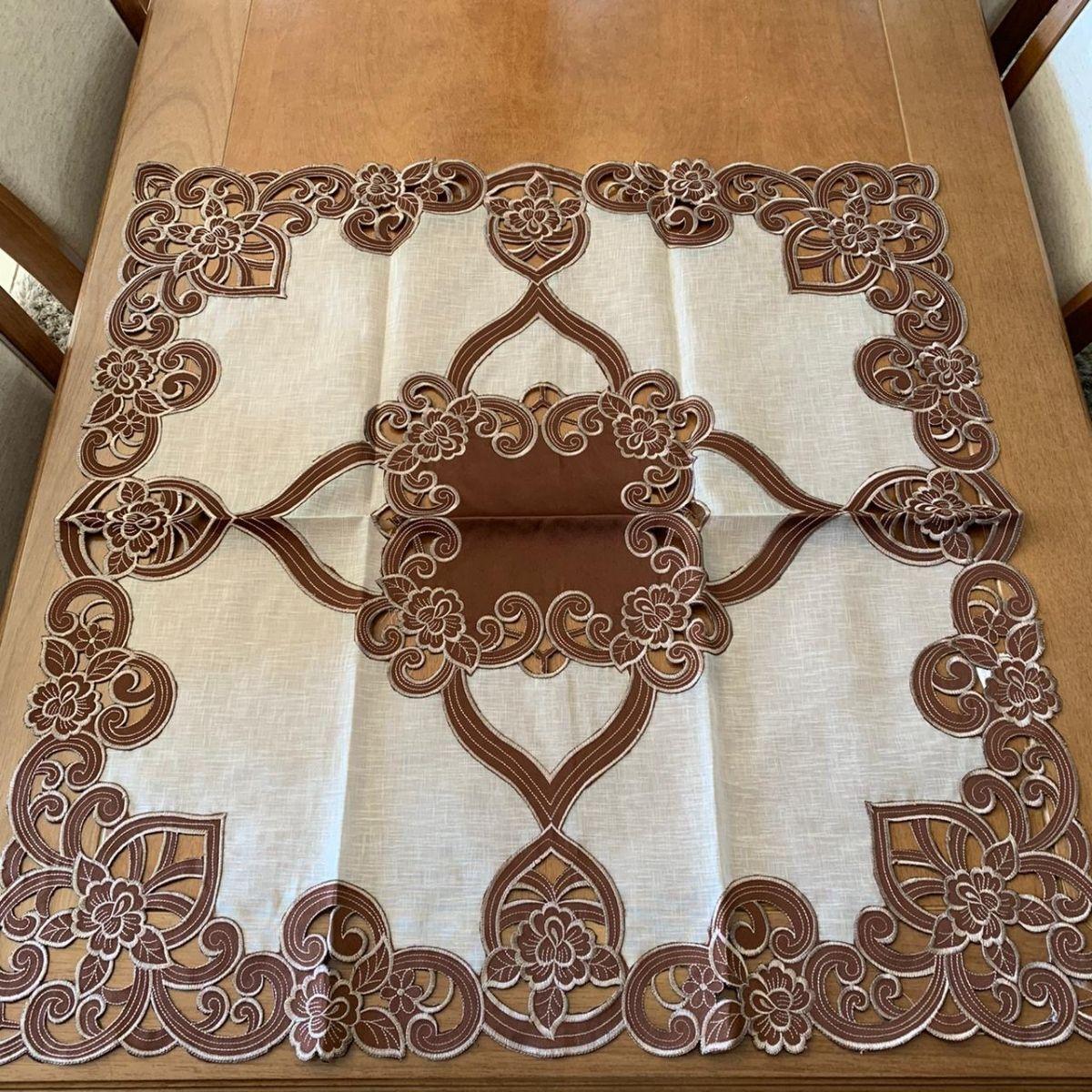 Toalha de Chá Quadrada 85x85cm Arabesco