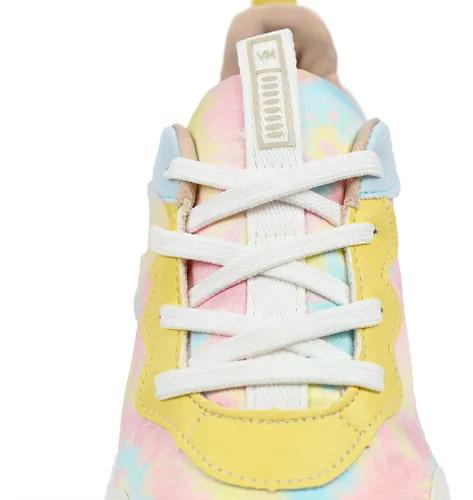 O Tênis Feminino Via Mart Tie Dye Chunky