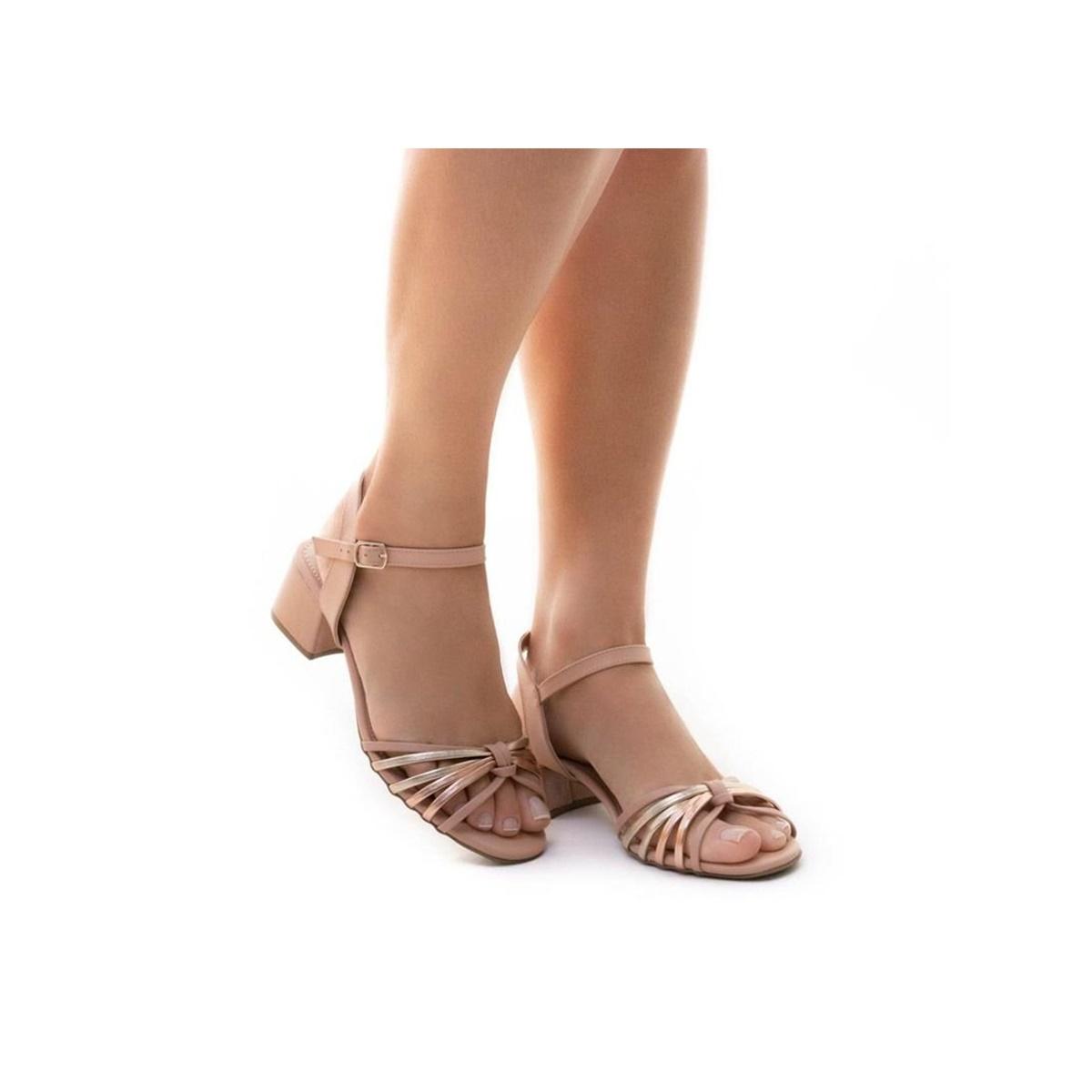 Sandália Feminina Sua Cia Tiras Metalizadas Salto Médio