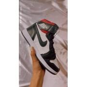 Nike Air Jordan - P&B e Vermelho