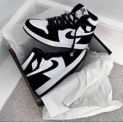 Nike Air Jordan - Preto e Branco