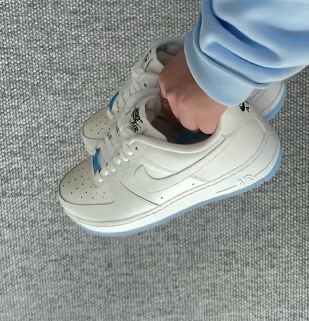 Nike Air Force 1 - UV Reactive