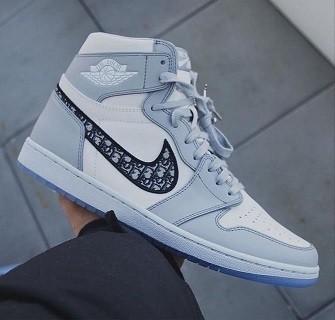 Nike  Air Jordan 1 Cinza
