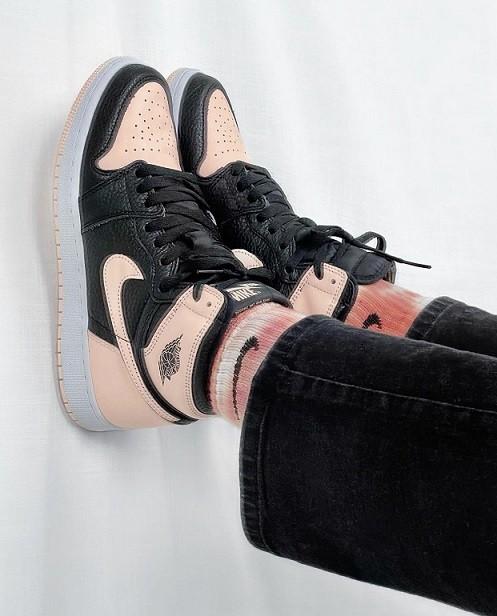 Nike Air Jordan 1 rose
