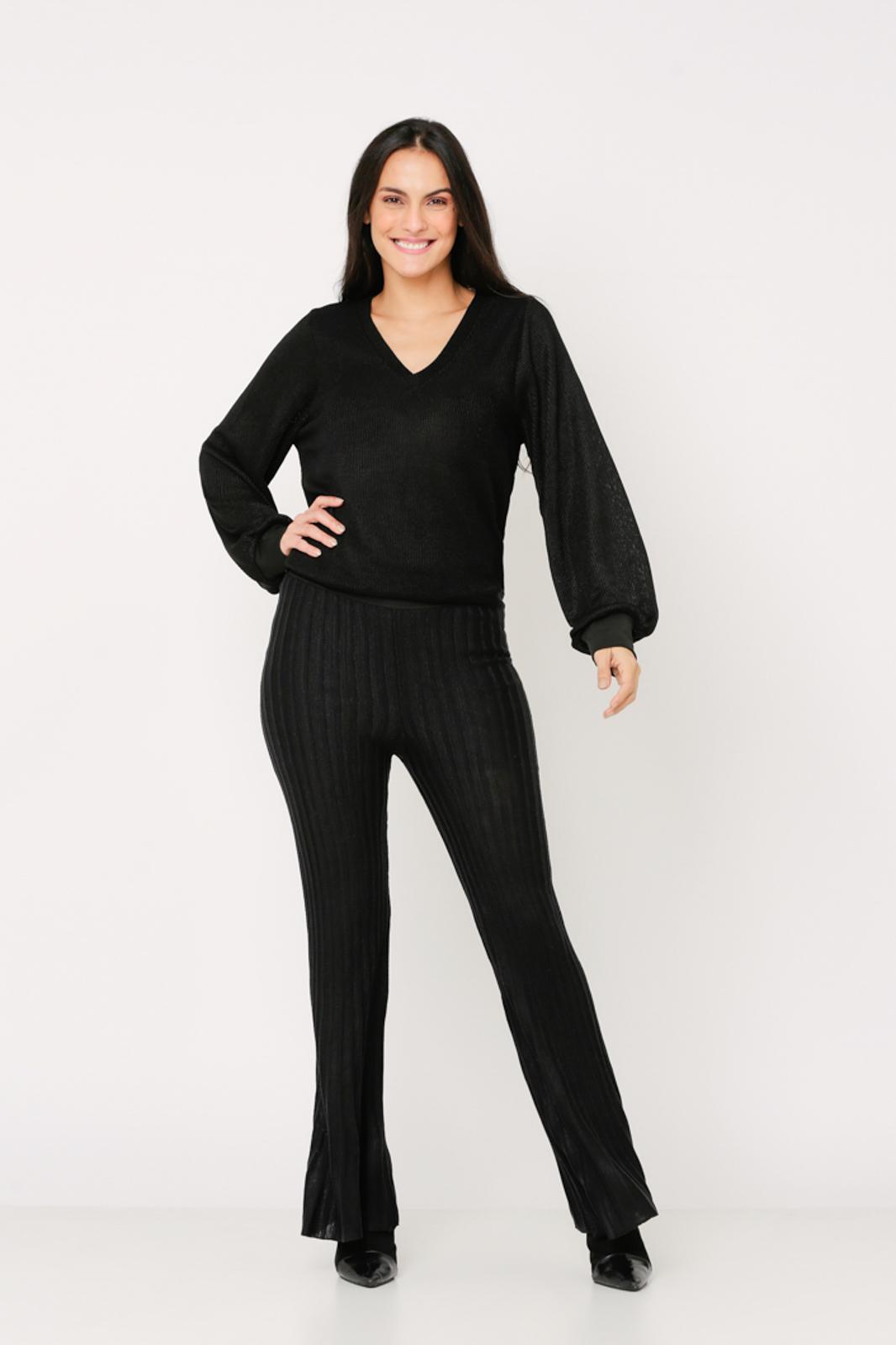Conjunto de tricot Ralm calça flare e blusa ampla decote V manga fofa - Preto
