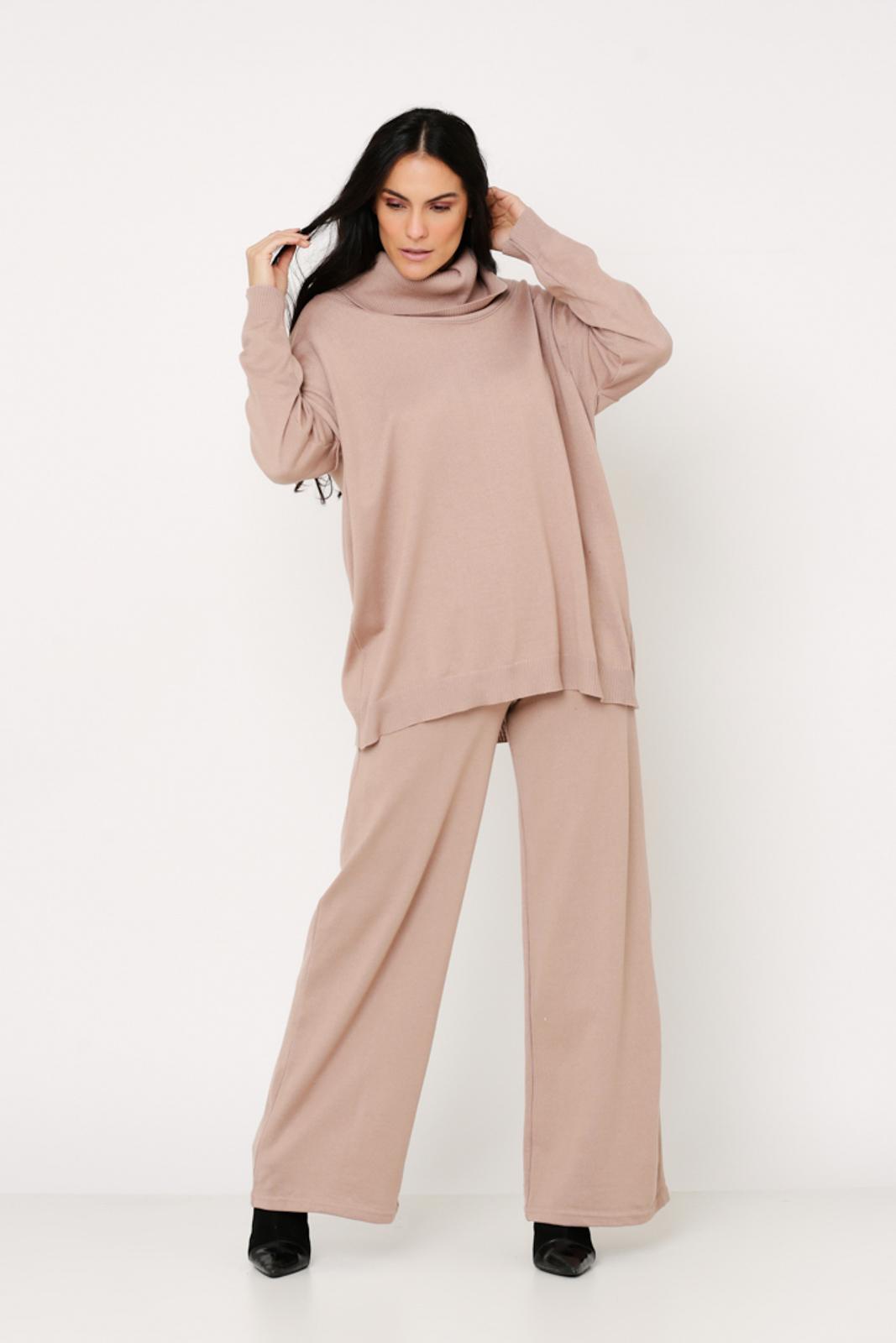 Conjunto de tricot Ralm calça pantalona e blusa ampla gola boba - Nude