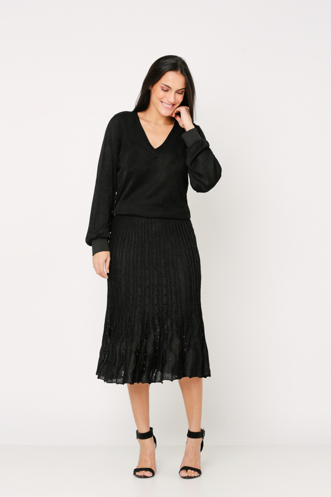 Conjunto de tricot Ralm saia midi e blusa ampla decote V manga fofa - Preto