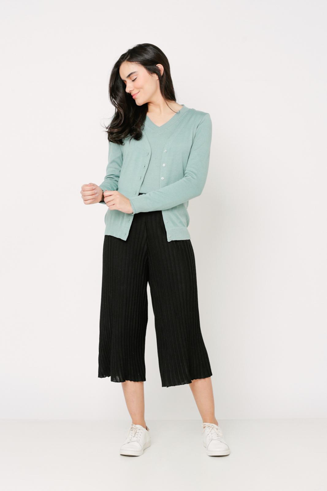 Conjunto de tricot Ralm twinset casaco básico de botões e blusa básica decote V - Verde