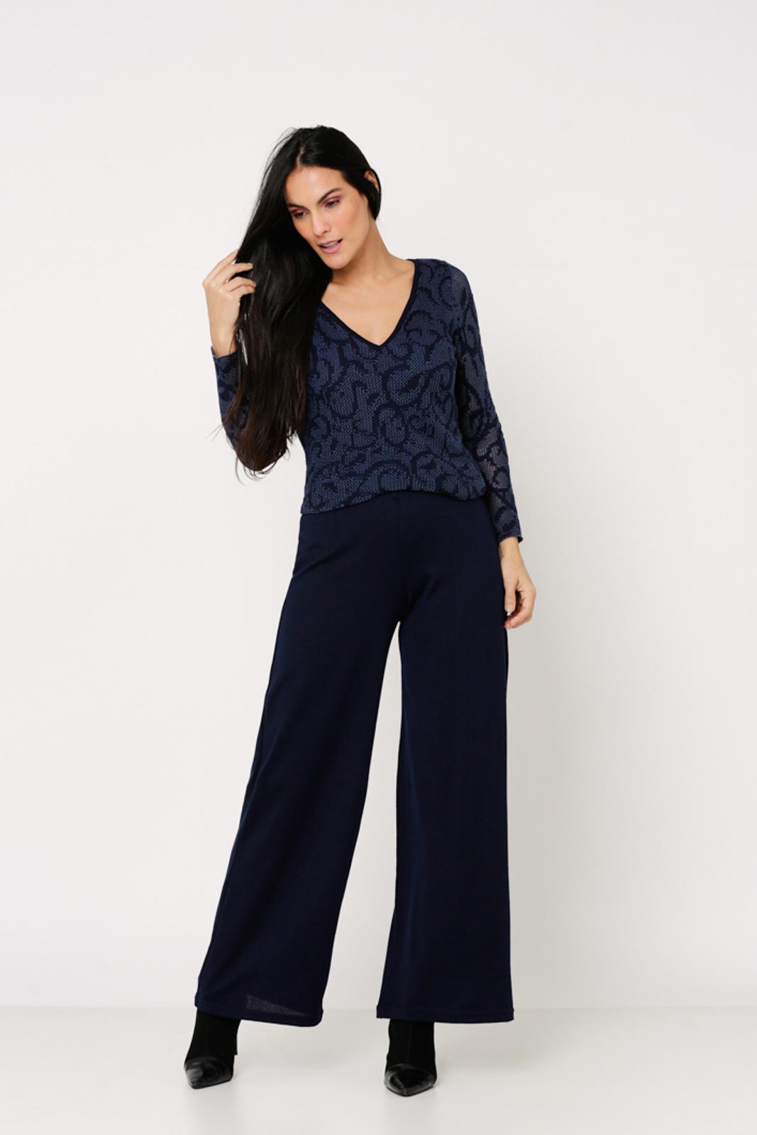 Conjunto de Tricot Ralm twinset casaco com botões e blusa manga longa devorê arabesco - Marinho
