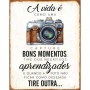"""Placa Decorativa Retangular """"A Vida é Como Uma Foto"""""""