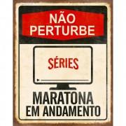 Placa Decorativa Bege Não Perturbe Maratona em andamento