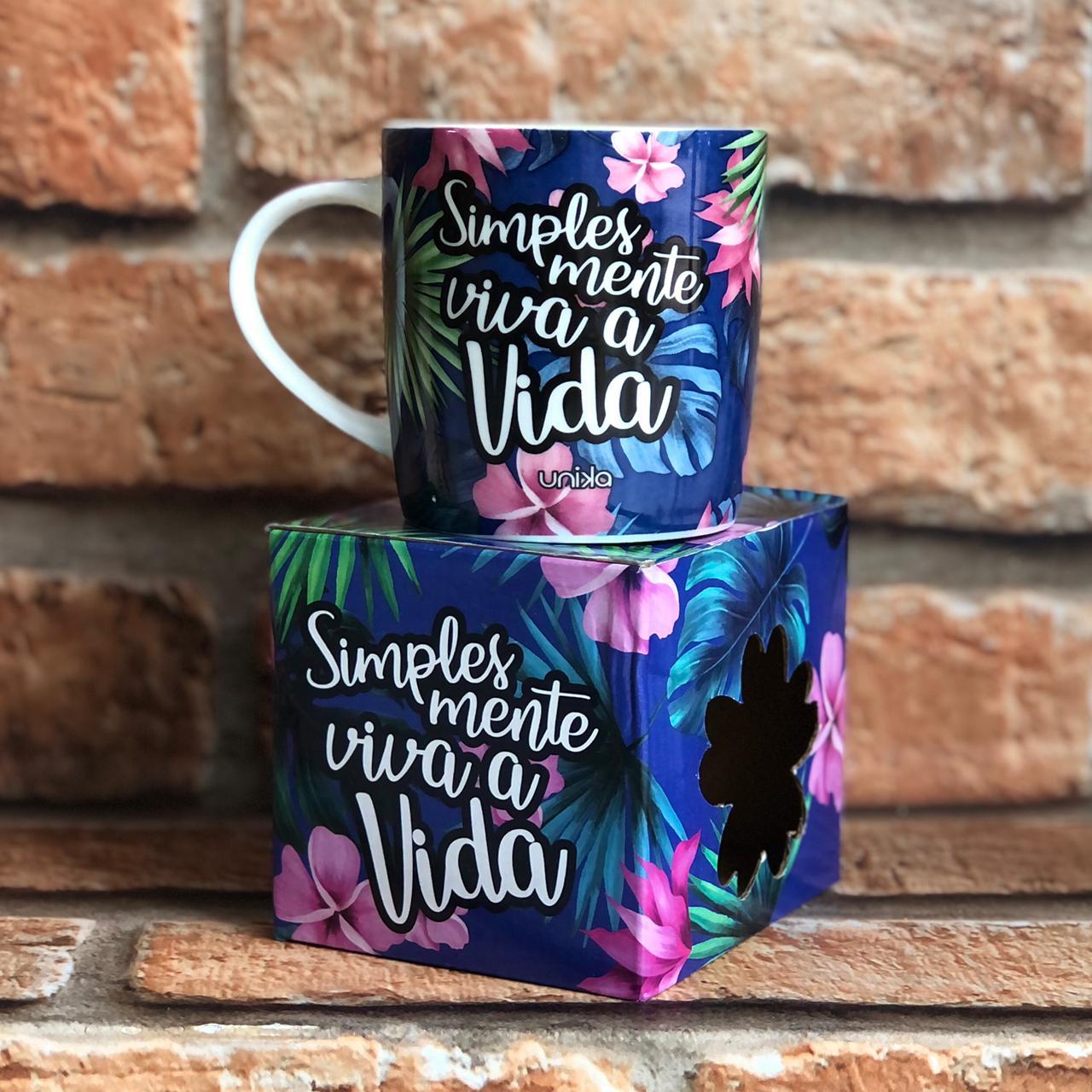 "Caneca ""Simplesmente Viva"" Unika 390ml"