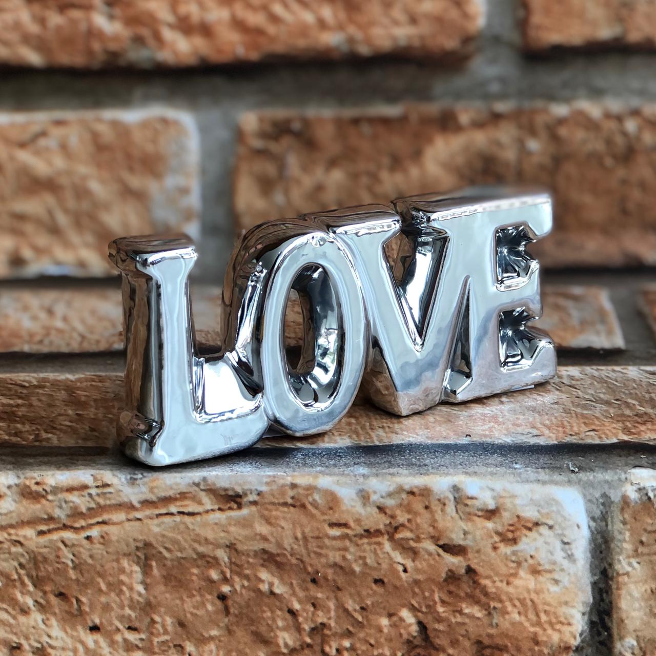 Letreiro Palavra Decorativa LOVE de Cerâmica