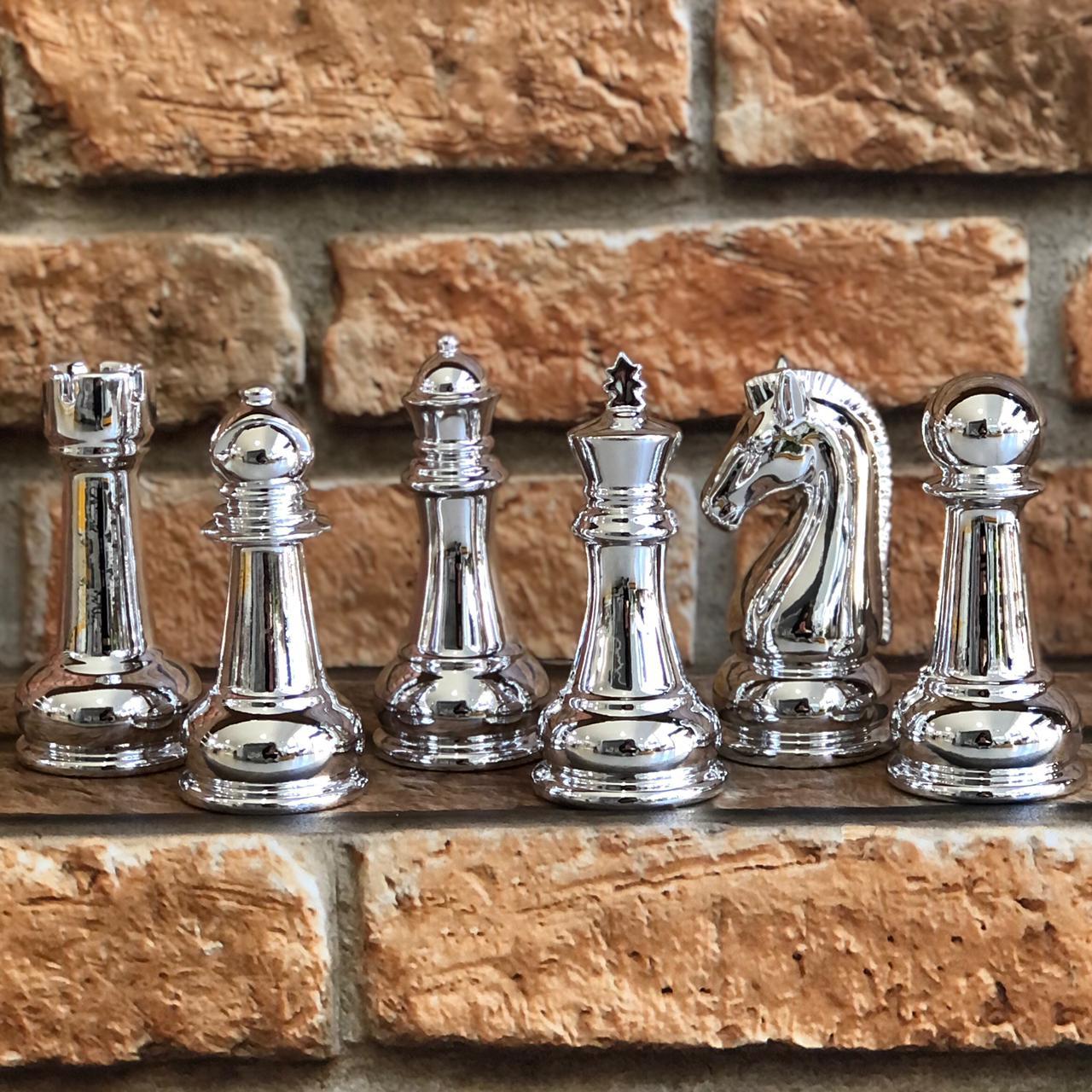 Peça de Xadrez Pequena de Porcelana