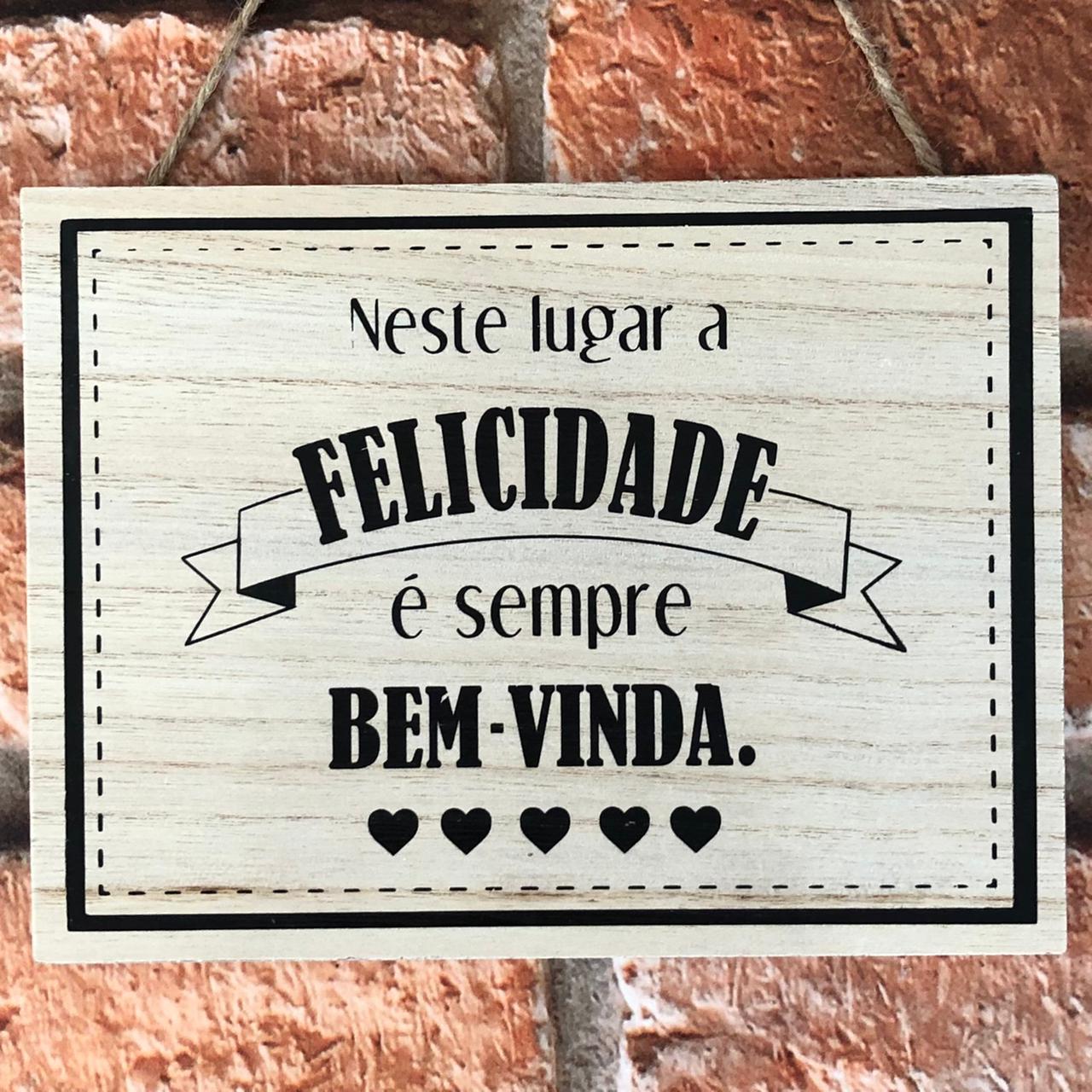 Placa Decorativa de Madeira com Cordão