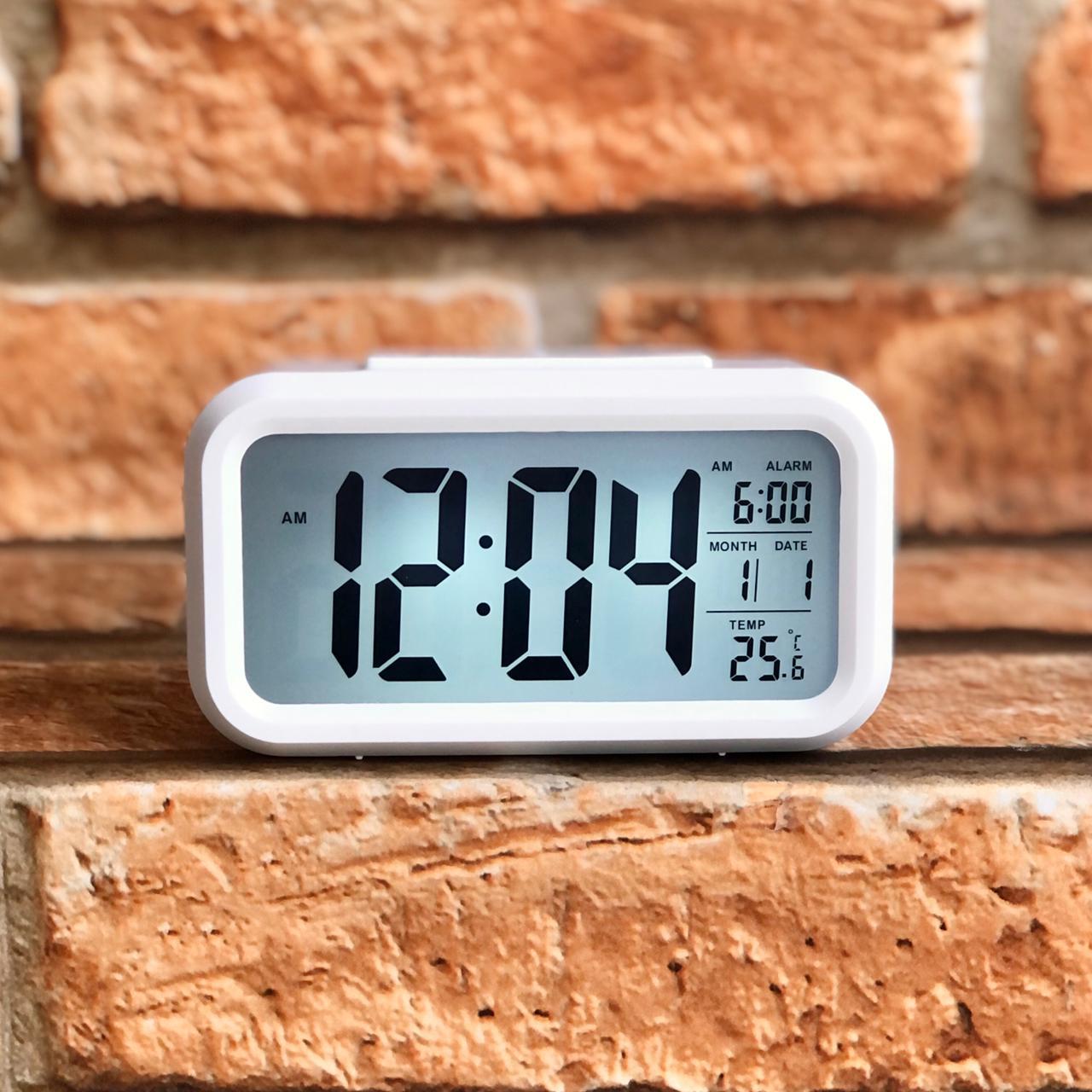 Relógio Digital de Mesa com Led