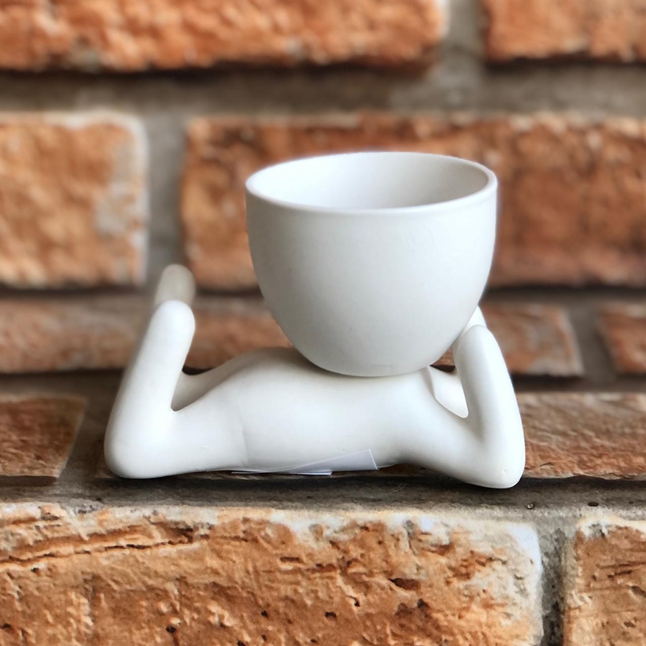 Vaso Cachepot BOB de Cerâmica Deitado Mãos Queixo