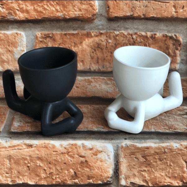 Vaso Cachepot BOB de Cerâmica Deitado Pernas para o Ar