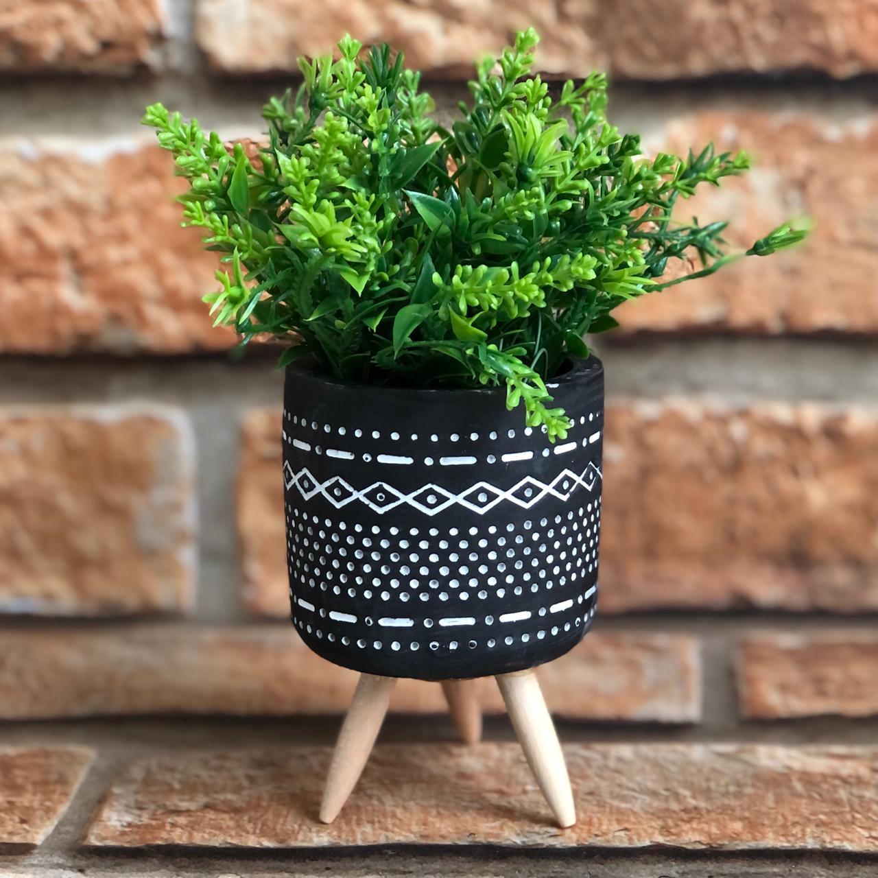 Vaso Decorativo com Tripé de Cimento Desenhos Geométricos