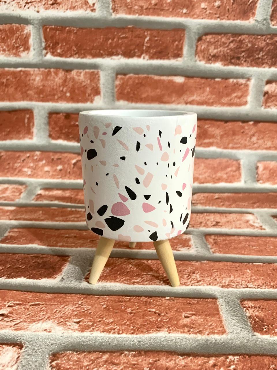 Vaso Decorativo de Cimento com Tripé de Madeira Pequeno