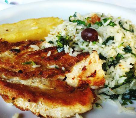 Peixe grelhado com arroz com brócolis (Serve 1 pessoa)