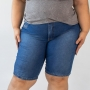 Bermuda Jeans Básica Ciclista Feminina Plus Size Anticorpus