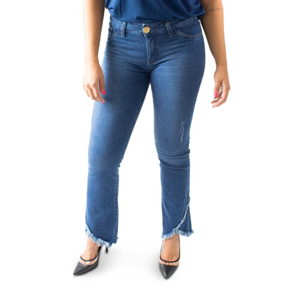Calça Feminina Jeans Flare Média Barra Desfiada Anticorpus