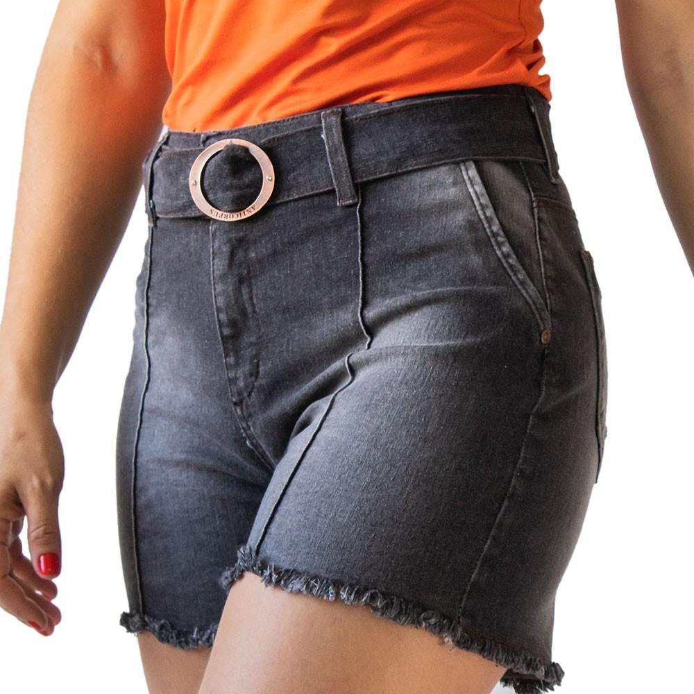 Short Jeans Feminino Alto Barra Desfiada Cinto Anticorpus