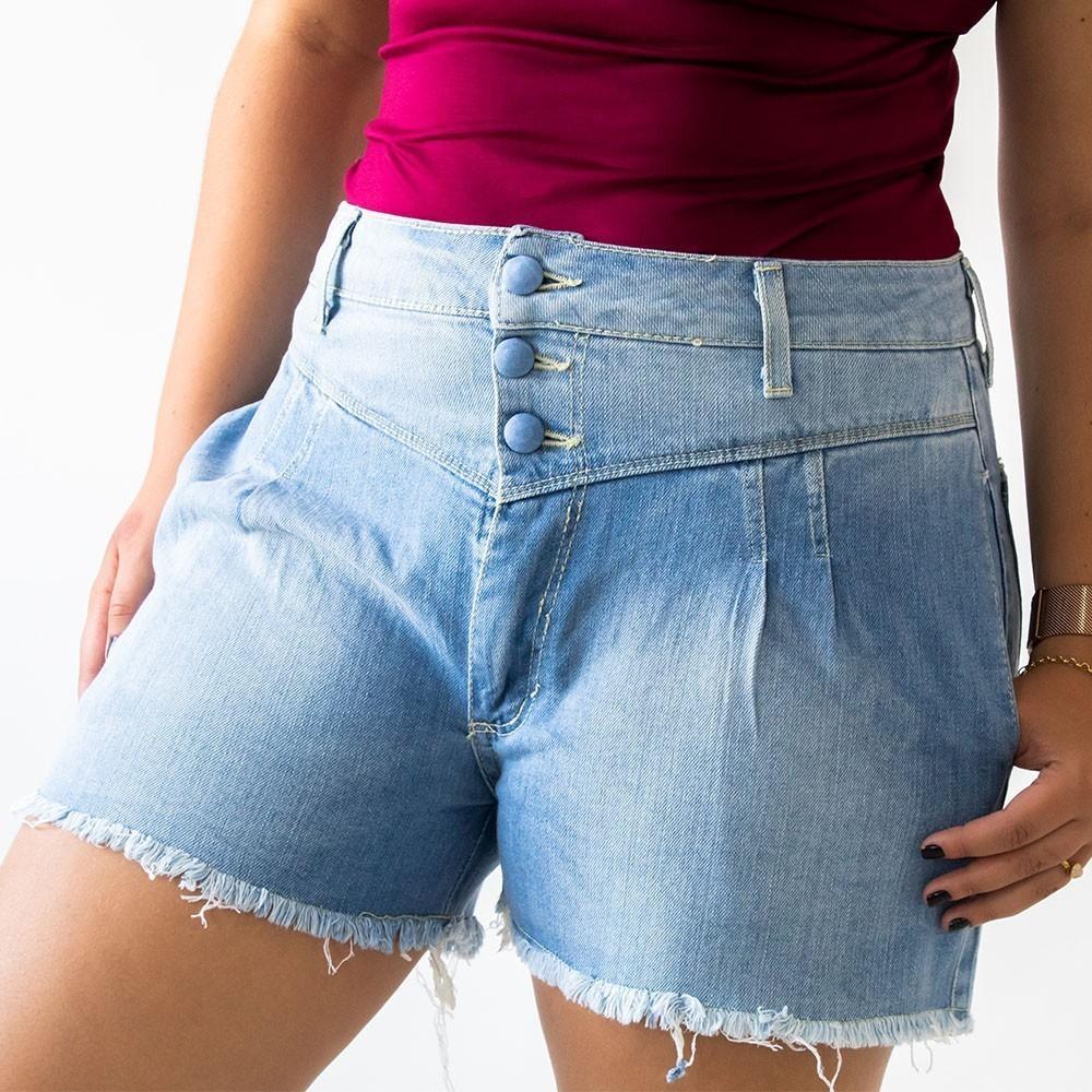 Short Modelo Mom Jeans Feminino Com Botões Revestidos Anticorpus