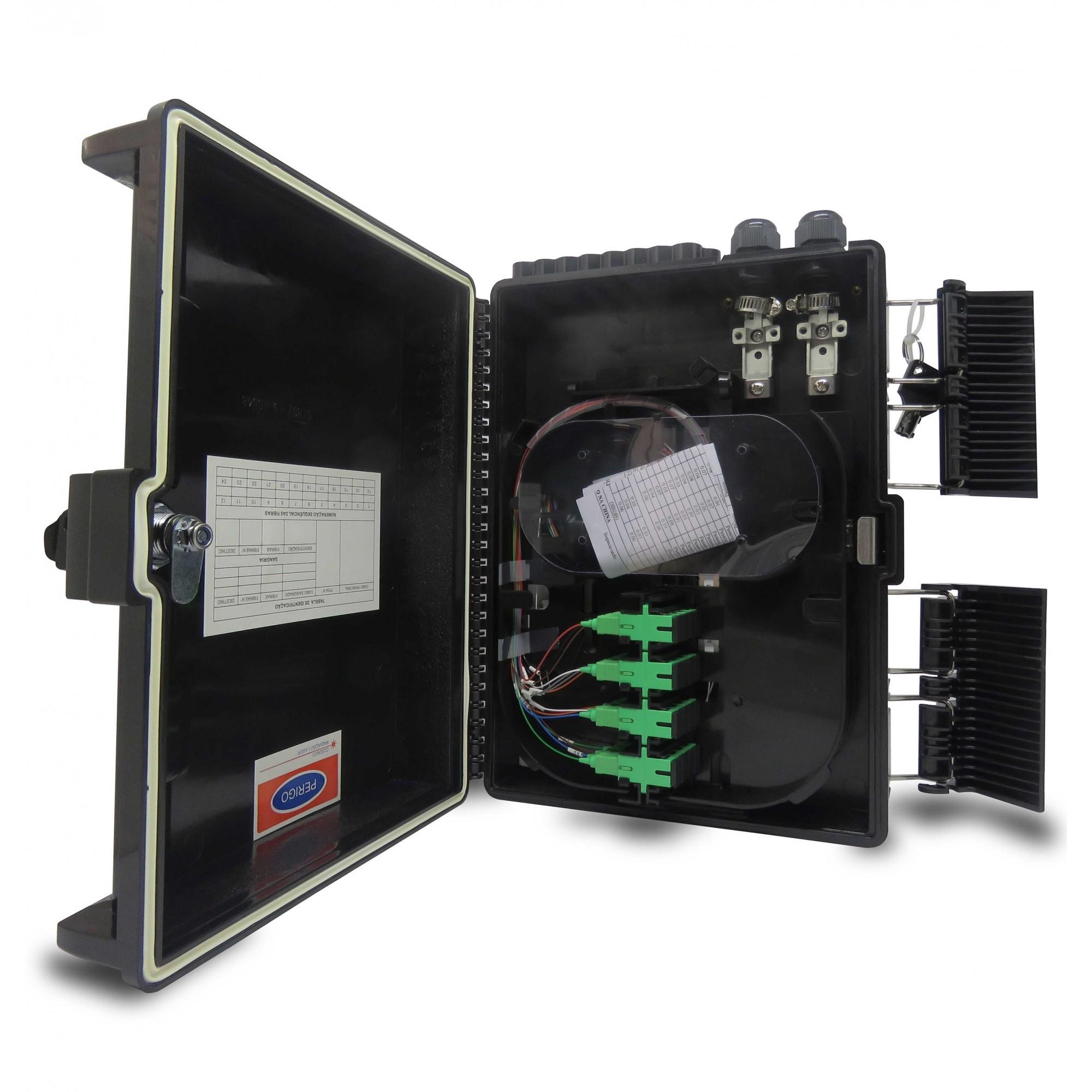 CTO 1x16apc - Caixa de atendimento montada com um splitter 1x16 sc/apc  e adaptadores