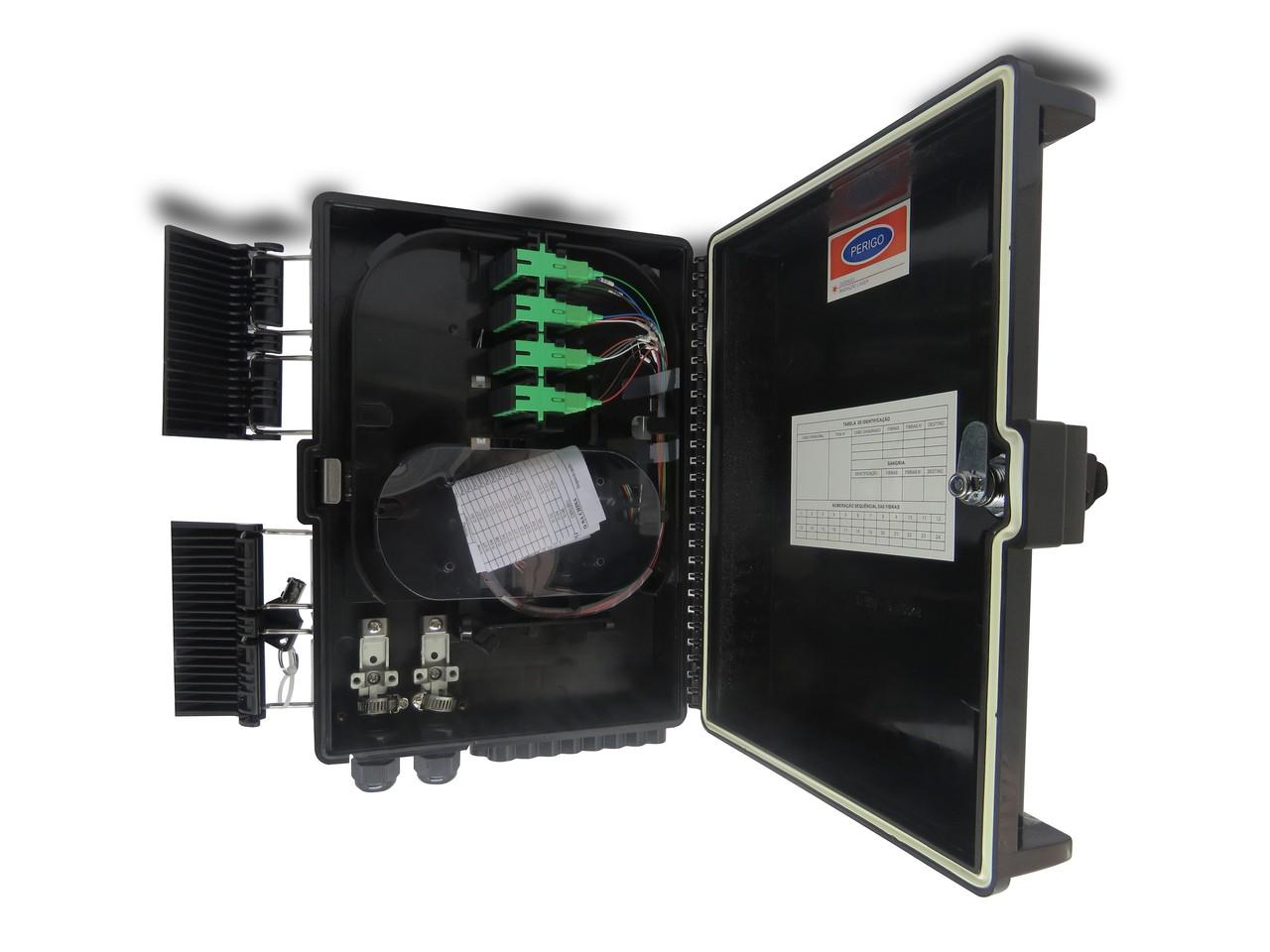 CTO 1x16apc - Montada com um splitter 1x16 sc/apc  e adaptadores