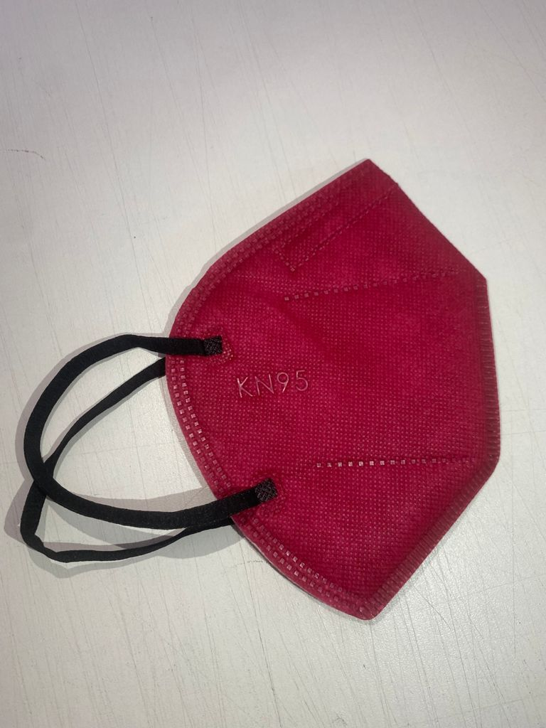 Máscara KN95 / PFF2 / N95  adulto rosa colorida - pacote 10 unidades 5 camadas meltblow BFE 98% + feltro de coton + tnt spunbond hospitalar hipoalergenico