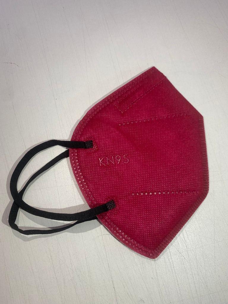Máscara PFF2 / N95 / KN95 adulto rosa colorida - caixa 50 unidades 5 camadas meltblow BFE 98% + feltro de coton + tnt spunbond hospitalar hipoalergenico