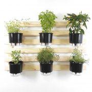 Horta Vertical Natural 60x100cm com 6 suportes e 6 Vasos Auto Irrigáveis Pretos