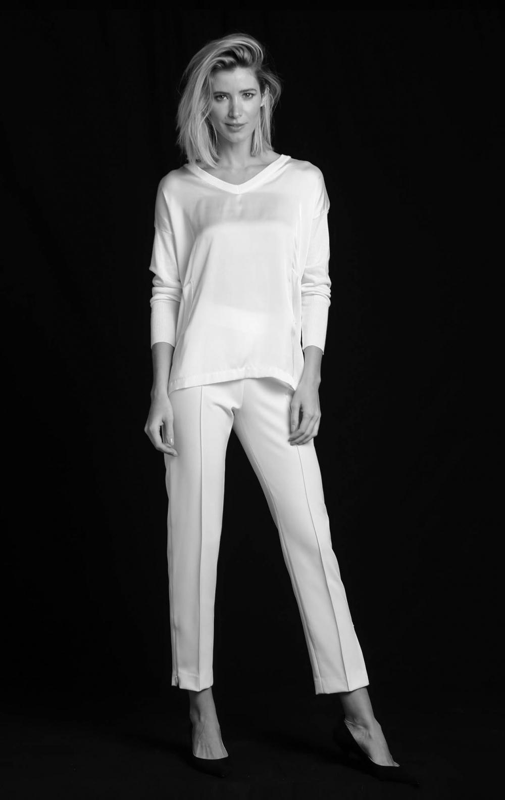 Blusa Tricot Frente Cetim Off White  - Foto 1