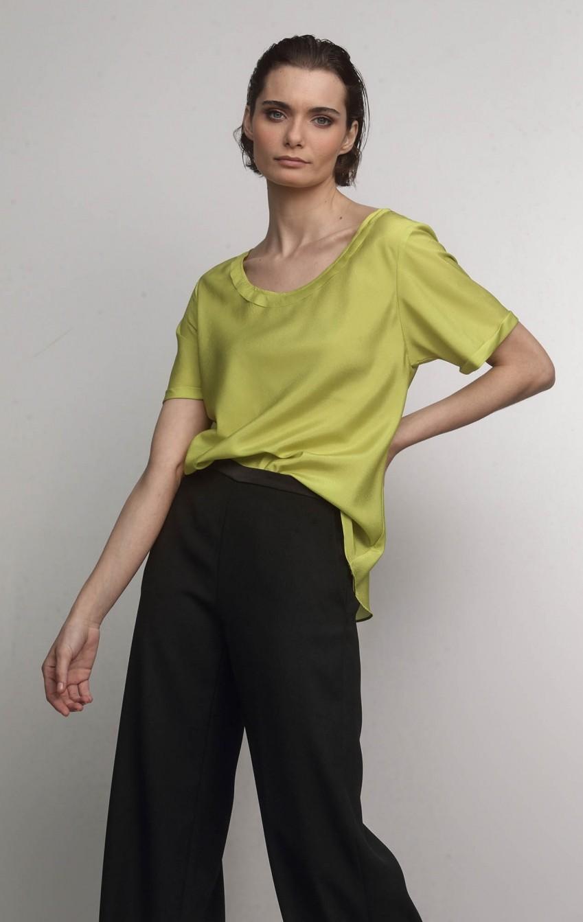 Calça Pantalona de Crepe com Bolso Lateral - Foto 1
