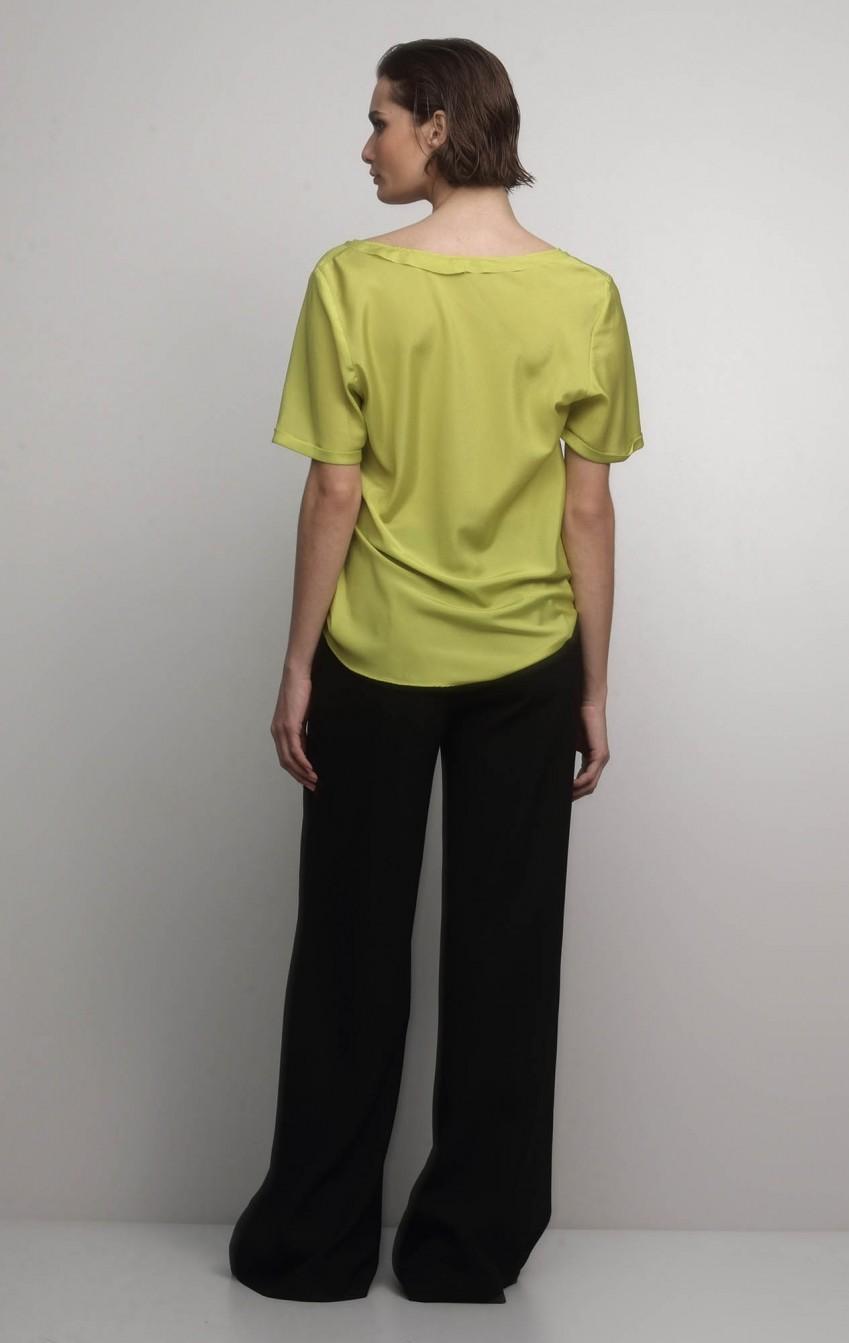 Calça Pantalona de Crepe com Bolso Lateral - Foto 2